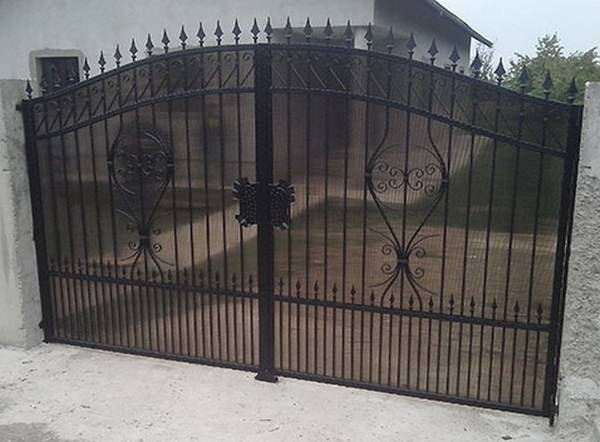 Modele Porţi şi Garduri din Fier Forjat - PG110