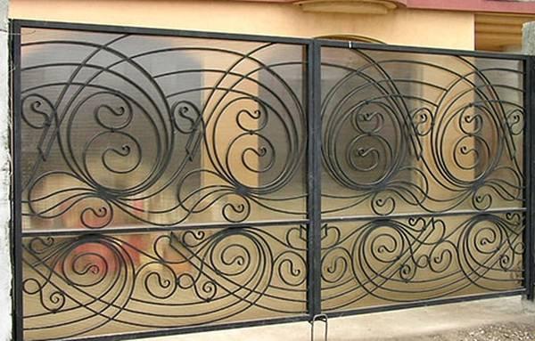 Modele Porţi şi Garduri din Fier Forjat - PG119