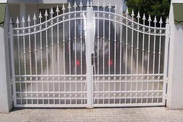 Modele Porţi şi Garduri din Fier Forjat - PG17