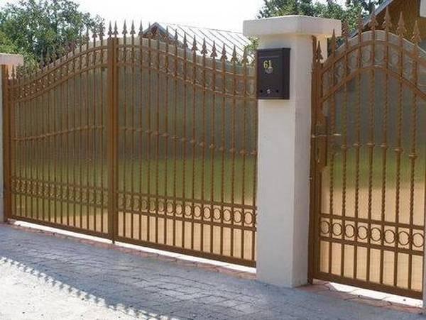 Modele Porţi şi Garduri din Fier Forjat - PG19