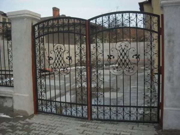 Modele Porţi şi Garduri din Fier Forjat - PG205