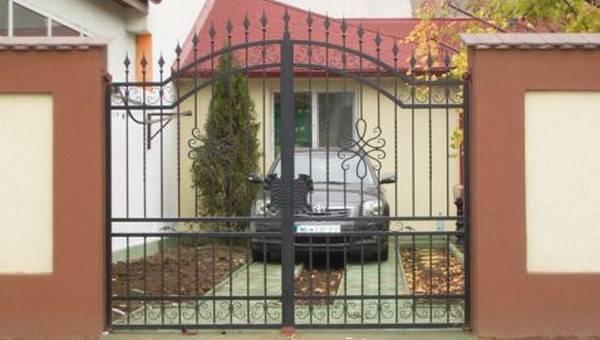 Modele Porţi şi Garduri din Fier Forjat - PG213