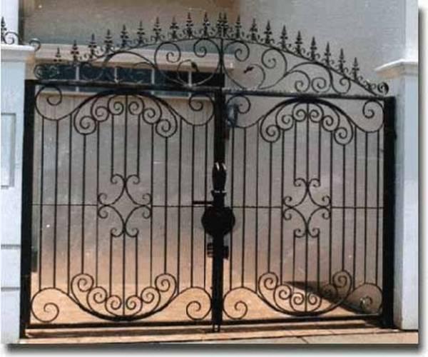 Modele Porţi şi Garduri din Fier Forjat - PG216