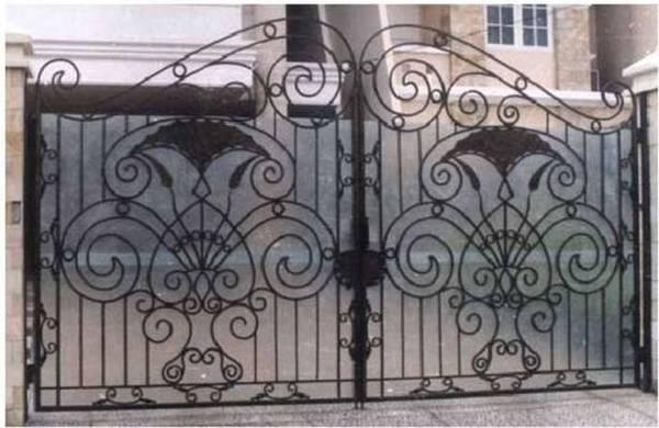 Modele Porţi şi Garduri din Fier Forjat - PG217
