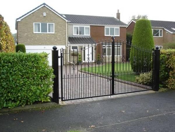 Modele Porţi şi Garduri din Fier Forjat - PG218