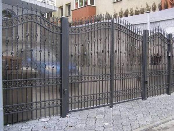 Modele Porţi şi Garduri din Fier Forjat - PG28