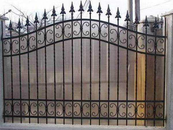 Modele Porţi şi Garduri din Fier Forjat - PG30