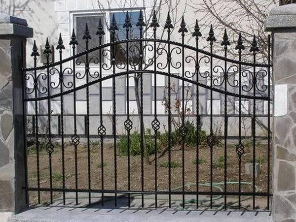 Modele Porţi şi Garduri din Fier Forjat - PG31