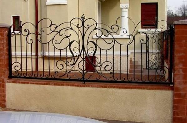 Modele Porţi şi Garduri din Fier Forjat - PG36