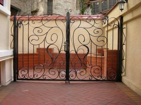 Modele Porţi şi Garduri din Fier Forjat - PG37