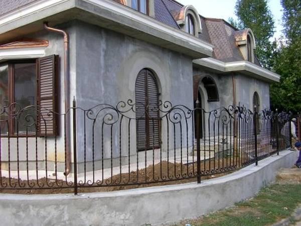 Modele Porţi şi Garduri din Fier Forjat - PG38