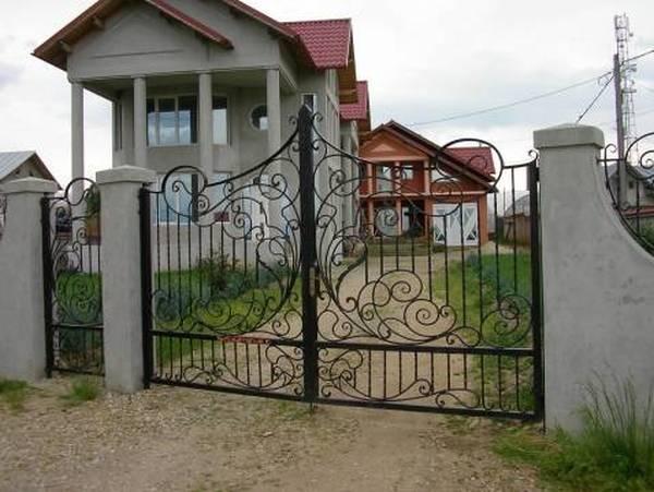 Modele Porţi şi Garduri din Fier Forjat - PG60