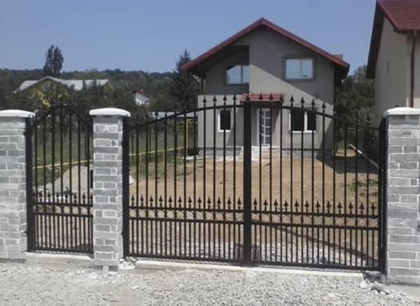 Modele Porţi şi Garduri din Fier Forjat - PG88