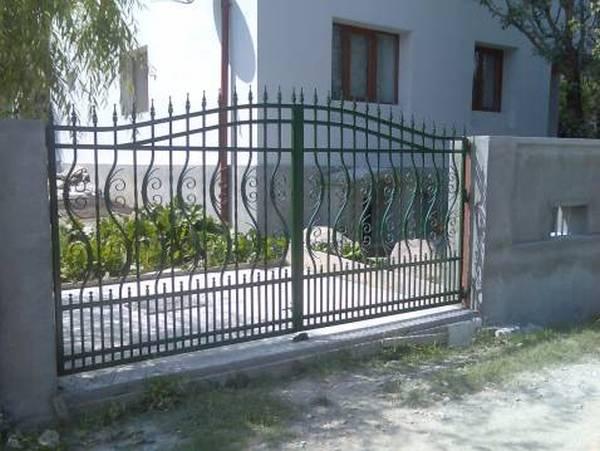 Modele Porţi şi Garduri din Fier Forjat - PG90